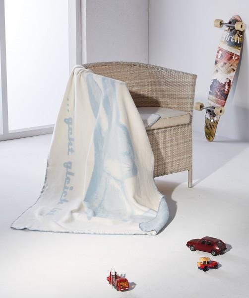Hasenkolter blau-weiss auf dem Sessel