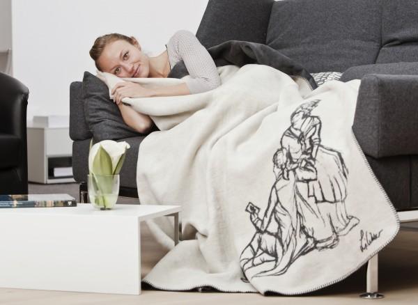 Goethe und Lotte Kolter auf der Couch